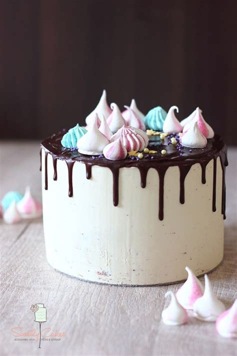 25 Incredible Drippy Cakes | Food Heaven