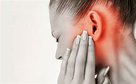 Effects of Shingles on the Ears: Pain, Symptoms, Treatment