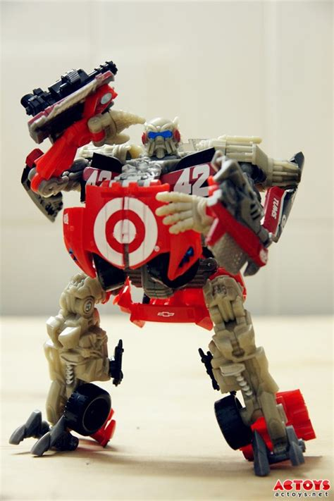 New Photos of Deluxe Leadfoot - Transformers News - TFW2005