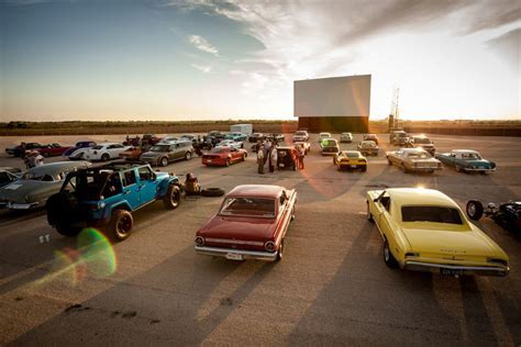 Drive in movie theaters Detroit - drive in movies at huron