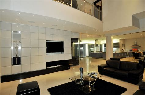 World of Architecture: Huge Modern Home In Hollywood Style