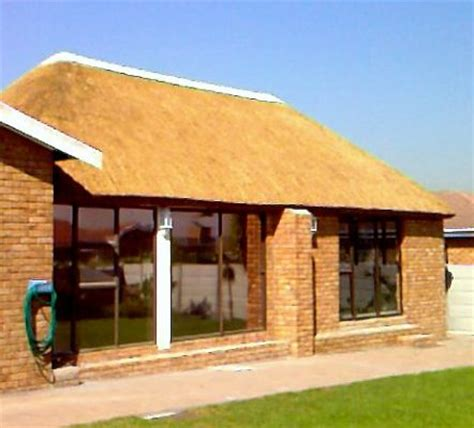 Traditional thatchers lapa company (Blouberg, South Africa)